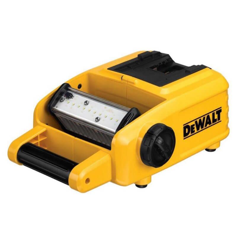 Фонарь аккумуляторный светодиодный DeWALT DCL060